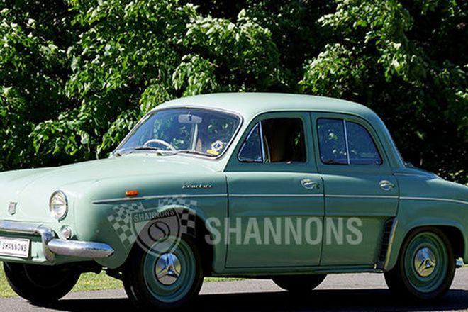 Renault Dauphine Sedan