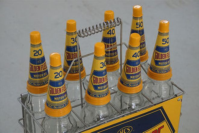 Oil Bottles & Stand in Golden Fleece Livery