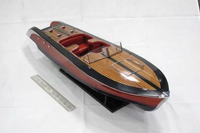 Model Boat - Stancraft Litespeed Timber Speedboat (86 x 25cm)