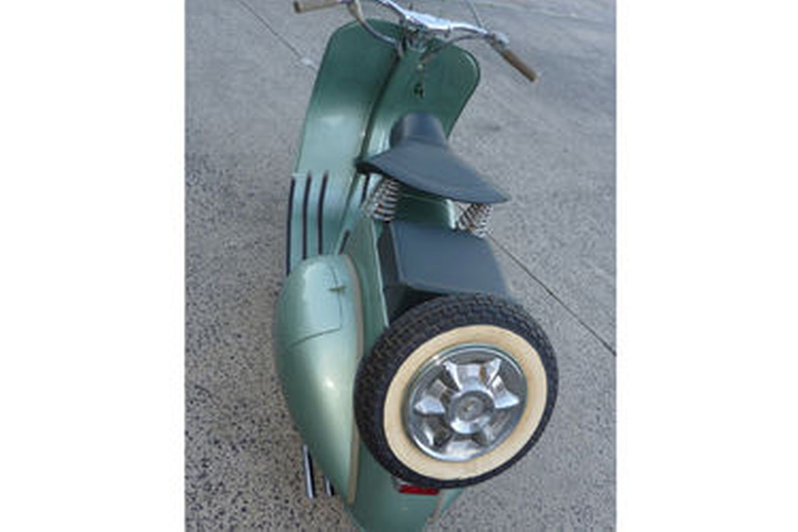 Vespa 125 'Fenderlight' Scooter