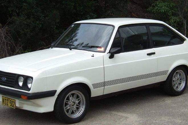 Ford Escort RS 2000 Sedan