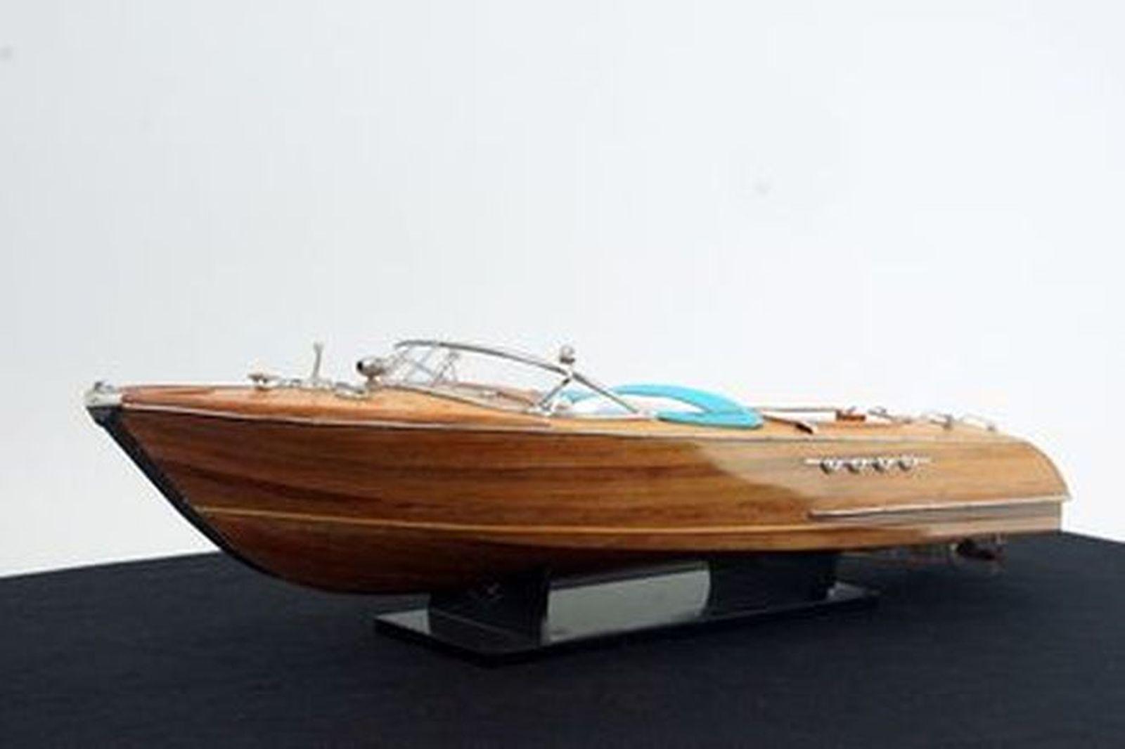 Model Boat - Aquarama Riva (Size - 86cm long)