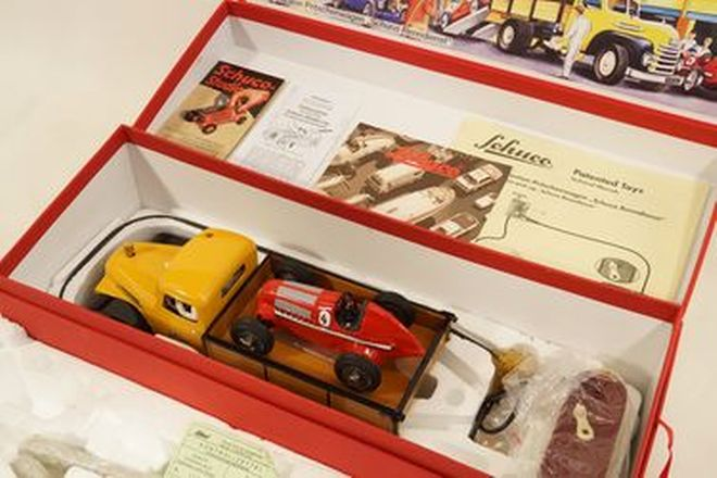 Model Cars - Schuco Renndienst Re-issue Tinplate clockwork Yellow Truck & Red Racing Car