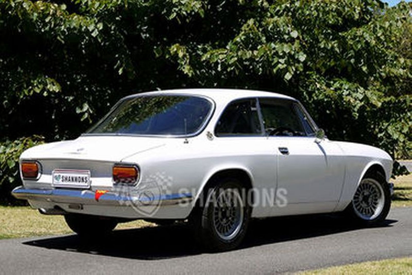 alfa romeo 1750gt coupe club prepared auctions lot 18 shannons. Black Bedroom Furniture Sets. Home Design Ideas