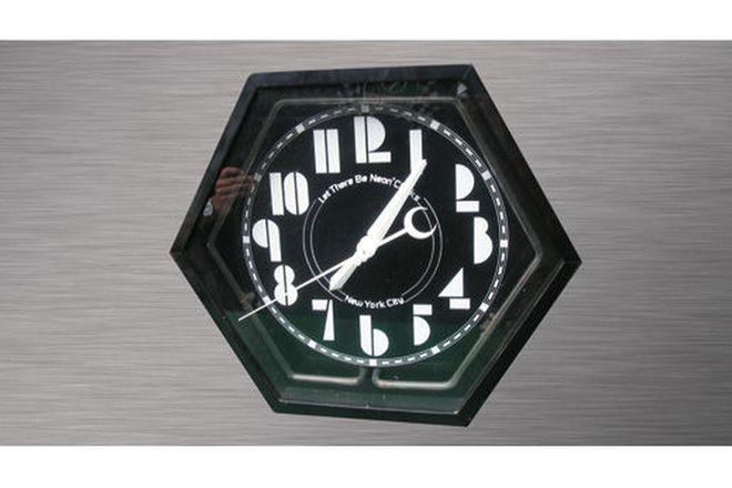 Electric Clock - New York City (Neon)