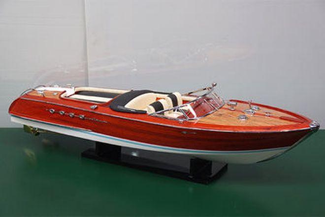 Model Boat - Riva Speed Boat (80cm long)