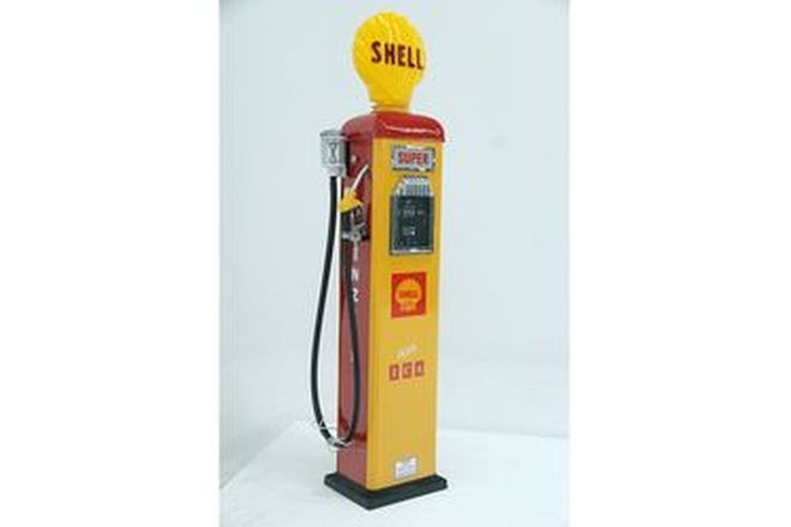 Petrol Pump - CM Gilbarco Petrol Bowser Restored with Reproduction Shell Clam
