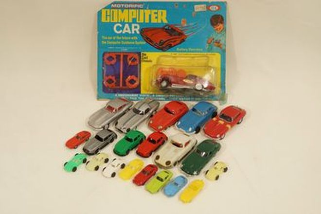 Model Cars x 21 - Jaguar E-Type plastic models