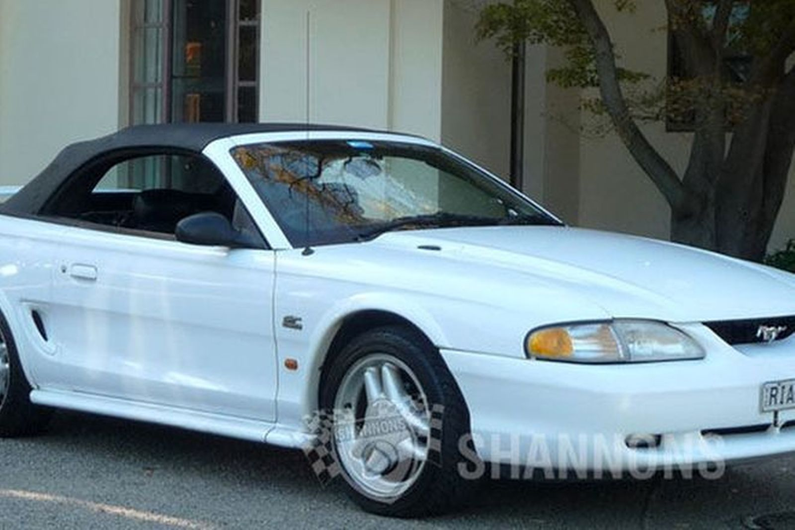 Ford mustang gt convertible rhd