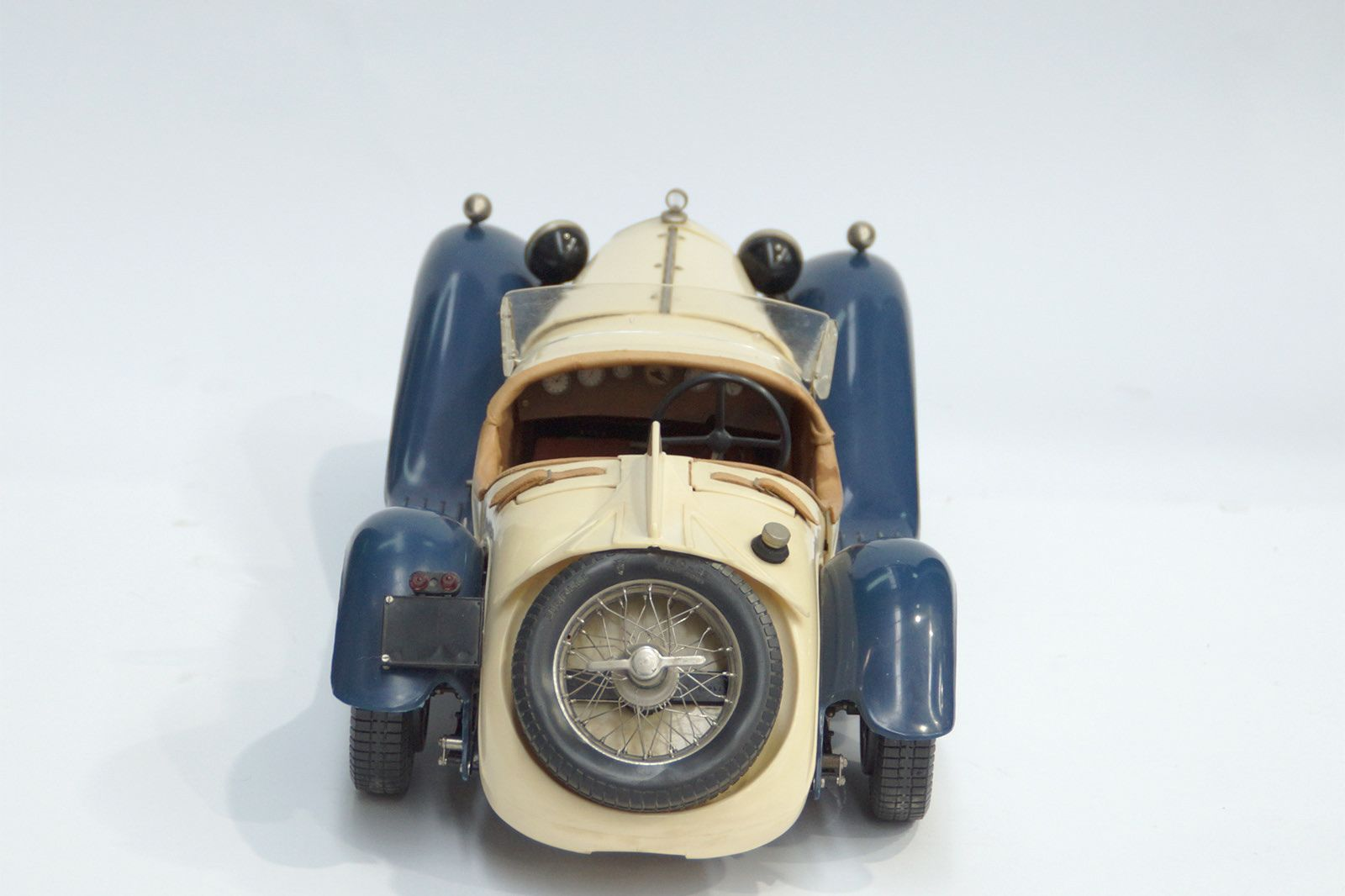 Alfa Romeo Pocher AC 20 Coupe (Plastic Model Car)