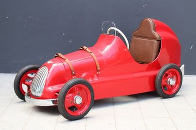 Pedal Car - 1949 Austin Pathfinder (Restored) (1.6m long, 54cm wide, 70cm tall)