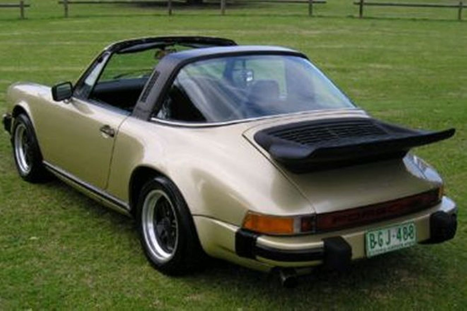 sold porsche 911 carrera 3 0 39 targa 39 coupe auctions lot 35 shannons. Black Bedroom Furniture Sets. Home Design Ideas