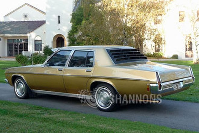 Holden HQ Statesman DeVille Sedan