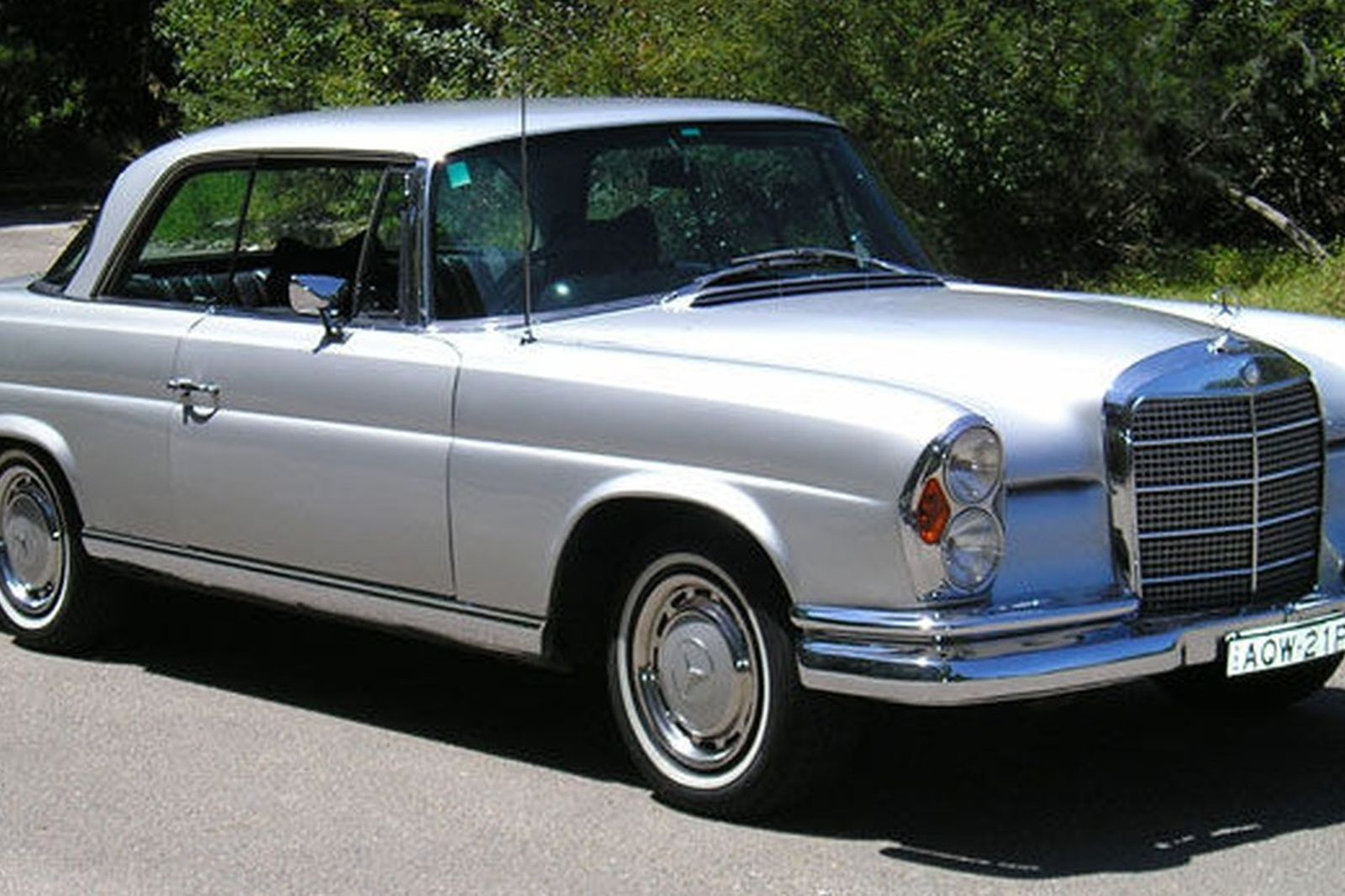 sold mercedes benz 280se coupe auctions lot 16 shannons. Black Bedroom Furniture Sets. Home Design Ideas