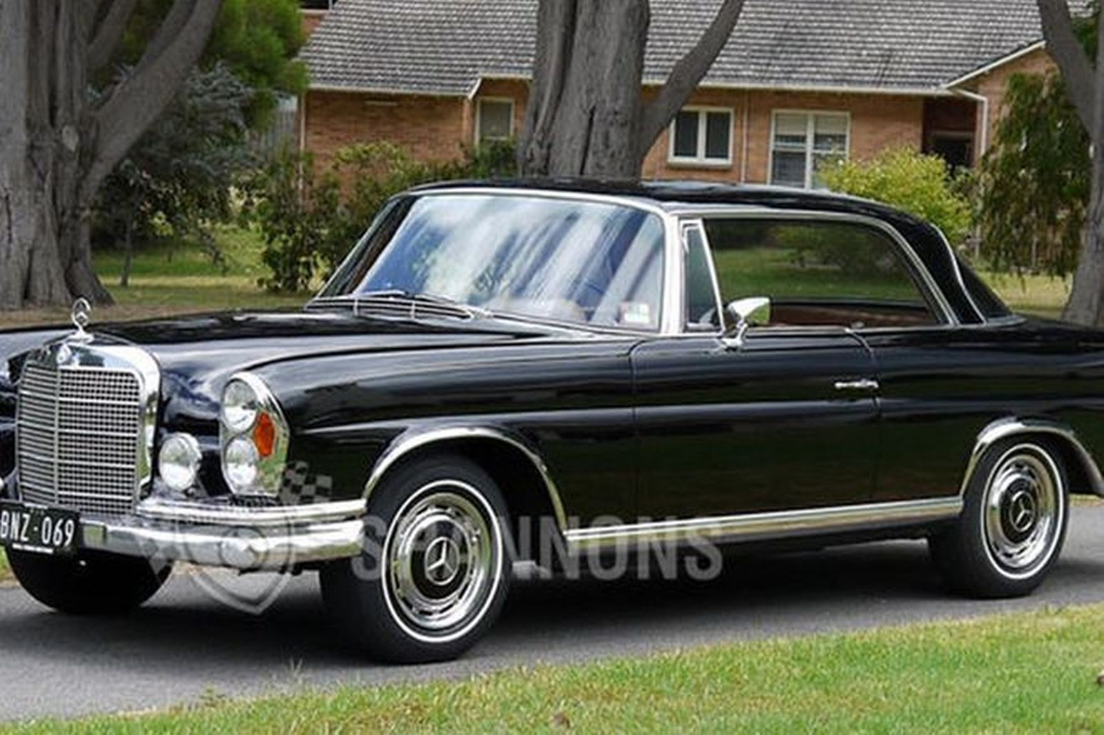 sold mercedes benz 280se coupe lhd auctions lot 35 shannons. Black Bedroom Furniture Sets. Home Design Ideas