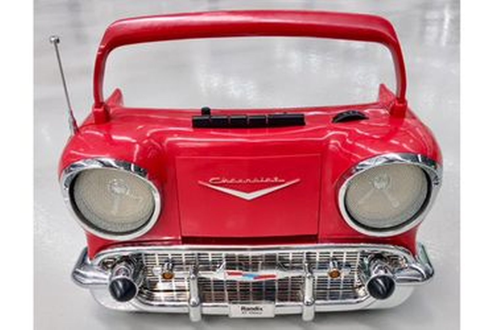 Red 1957 Chevrolet radio Cassette no charger