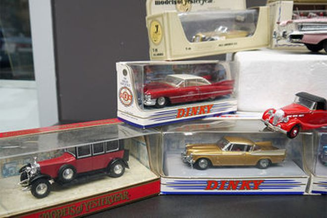 Model Cars x 13 - Selection of Corgi & Dinky Cars