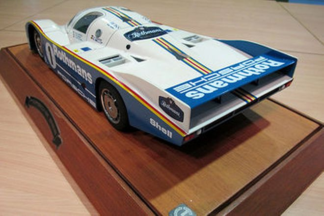 Model Car - Porsche 956 in Showcase (50 x 23cm)