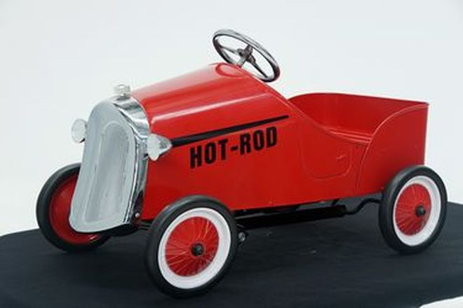 Pedal Car - Red Hot Rod with No Fenders (cm long)