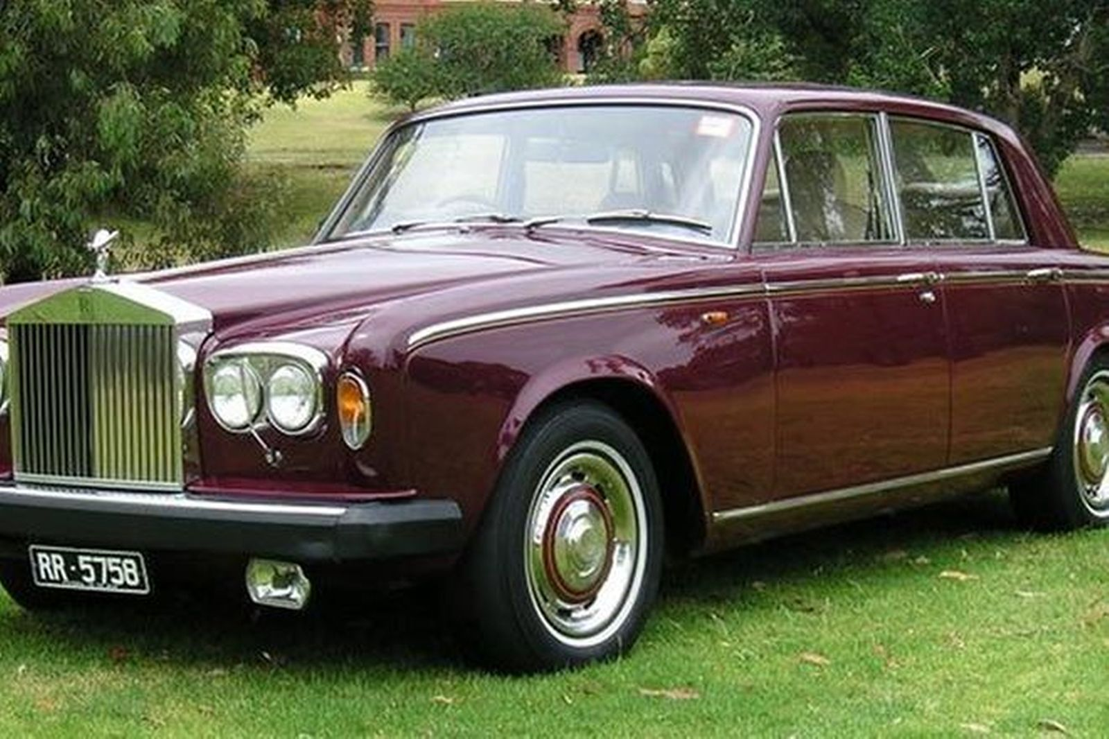 sold rolls royce silver shadow ii saloon auctions lot 73 shannons. Black Bedroom Furniture Sets. Home Design Ideas