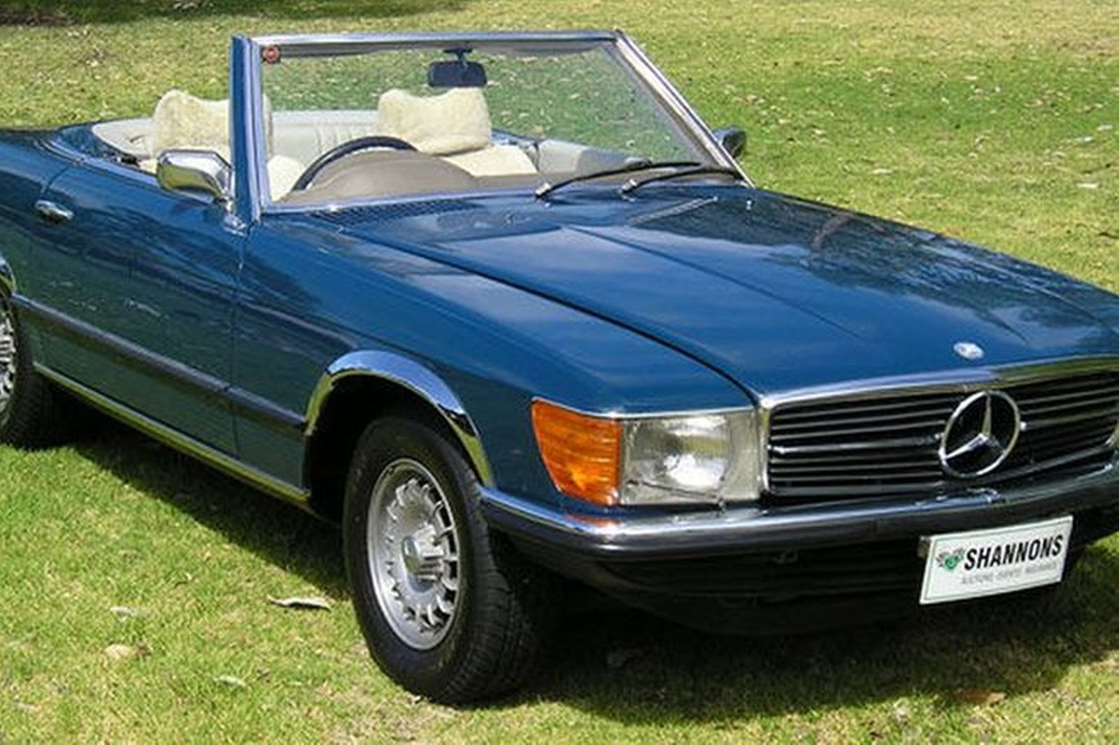 sold mercedes benz 450sl convertible auctions lot 2. Black Bedroom Furniture Sets. Home Design Ideas