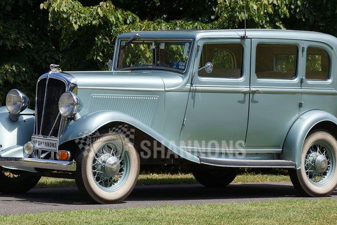Studebaker Rockne Sedan (RHD)