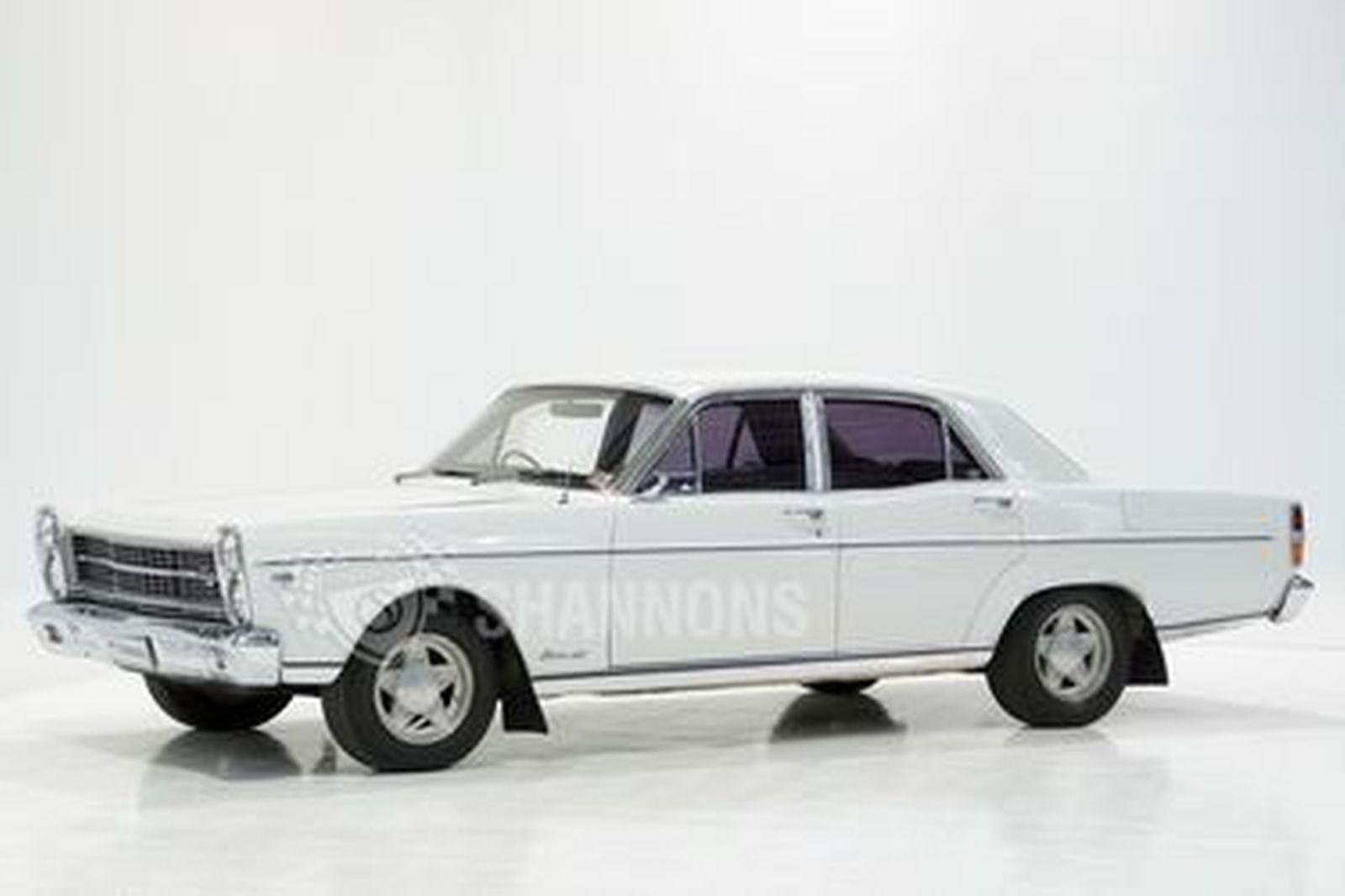 Ford ZD Fairlane V8 Sedan