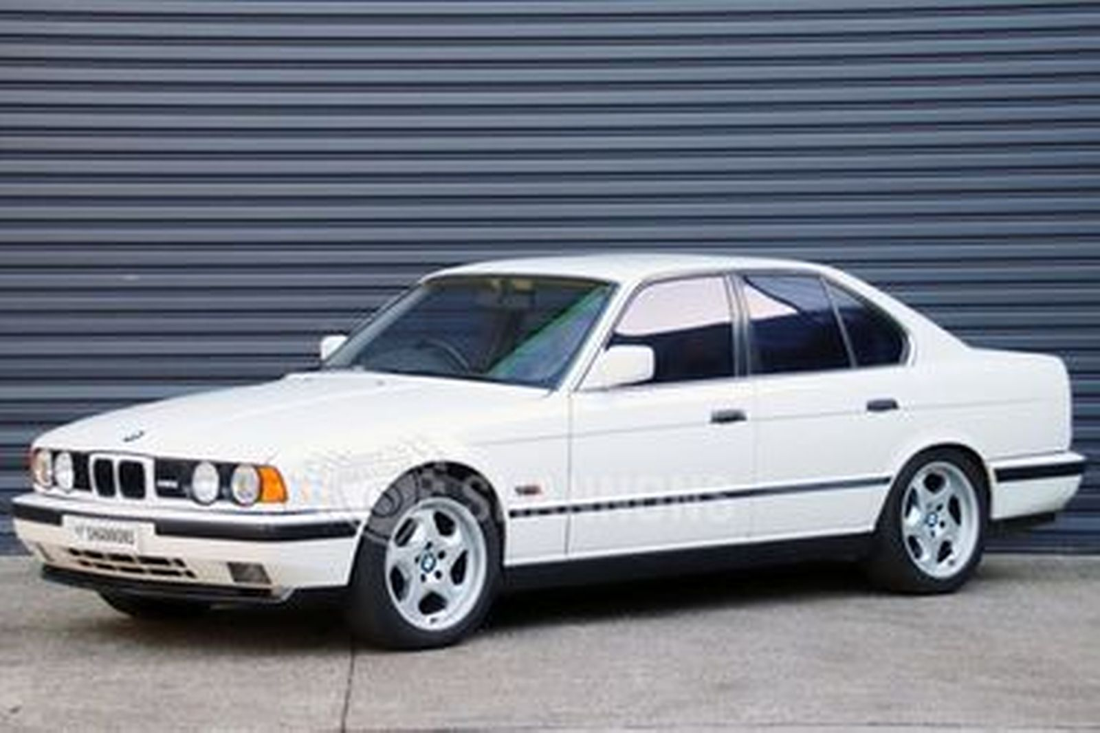 sold bmw m5 e34 saloon auctions lot 19 shannons. Black Bedroom Furniture Sets. Home Design Ideas