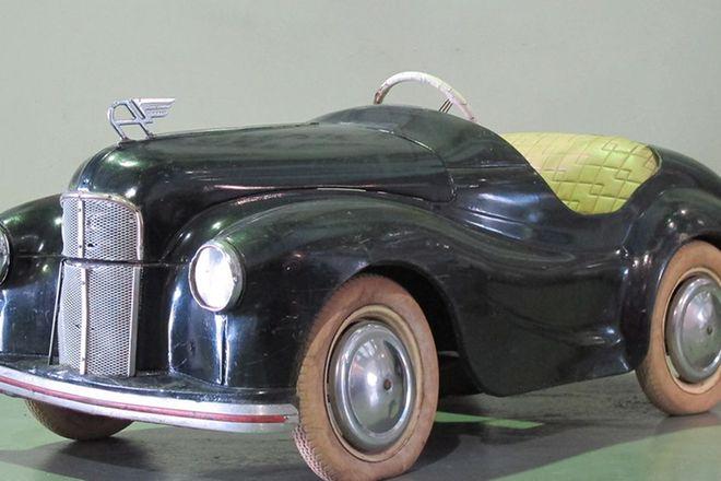 Pedal Car - c1950s Austin J40