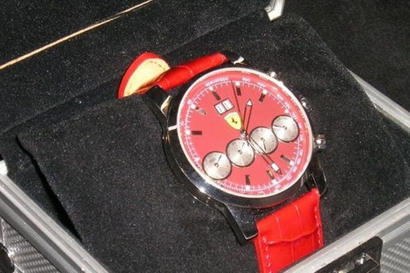 Watch - Red Ferrari Eberhard & Co Replica