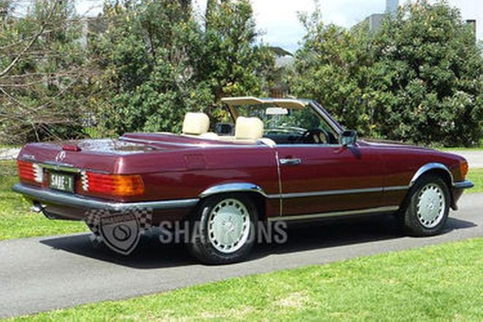 Sold: Mercedes-Benz 560SL Convertible Auctions - Lot 6 ...