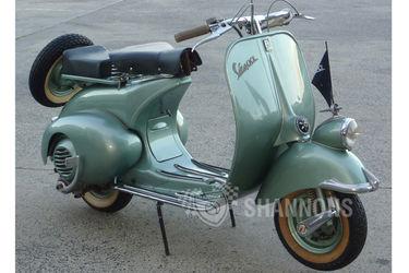 Vespa 125 'Fenderlight' Scooter