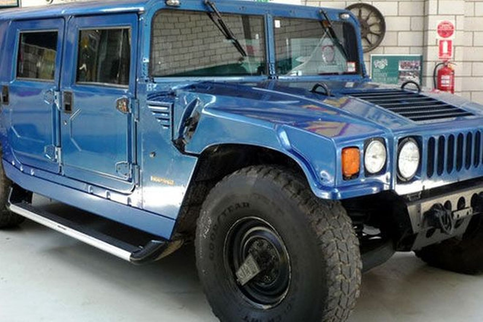 Sold: Hummer H1 Wagon Auctions - Lot 38 - Shannons