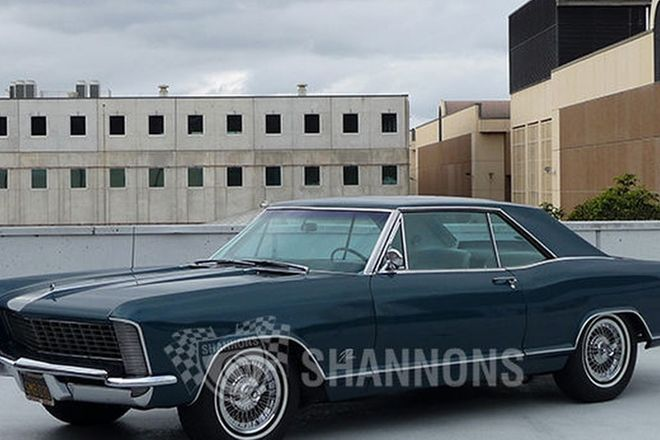 Buick Riviera Coupe (LHD)