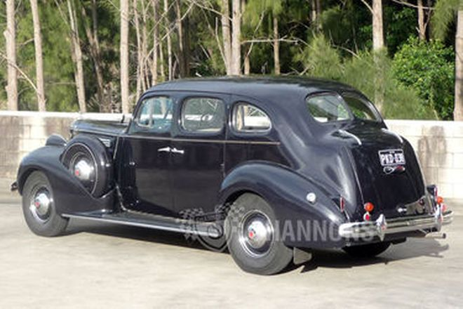 Packard 1601 Eight Sedan (RHD)