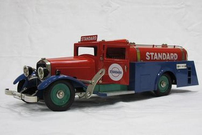 Model Truck - 1 x Marklin Clockwork Tin-plate Standard Fuel Tanker 1993 (1:16 Scale)