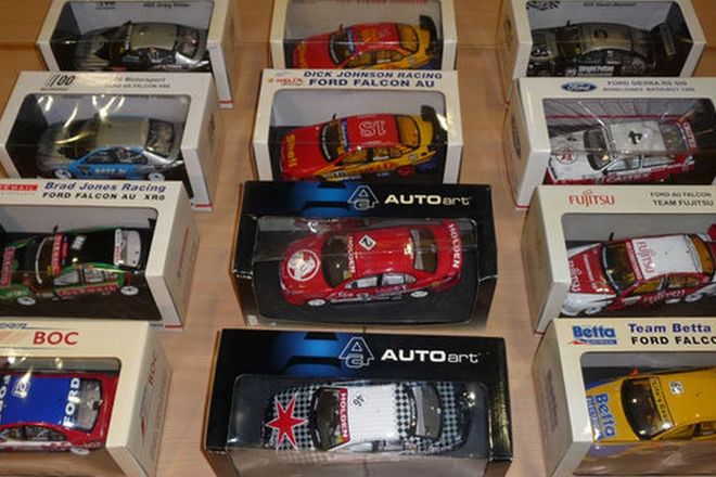 Model Cars - 12 x Biante & Auto Art 10 Ford, 2 Holden (1:18 scale)