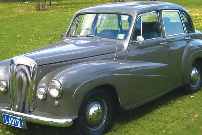 Daimler Conquest Saloon