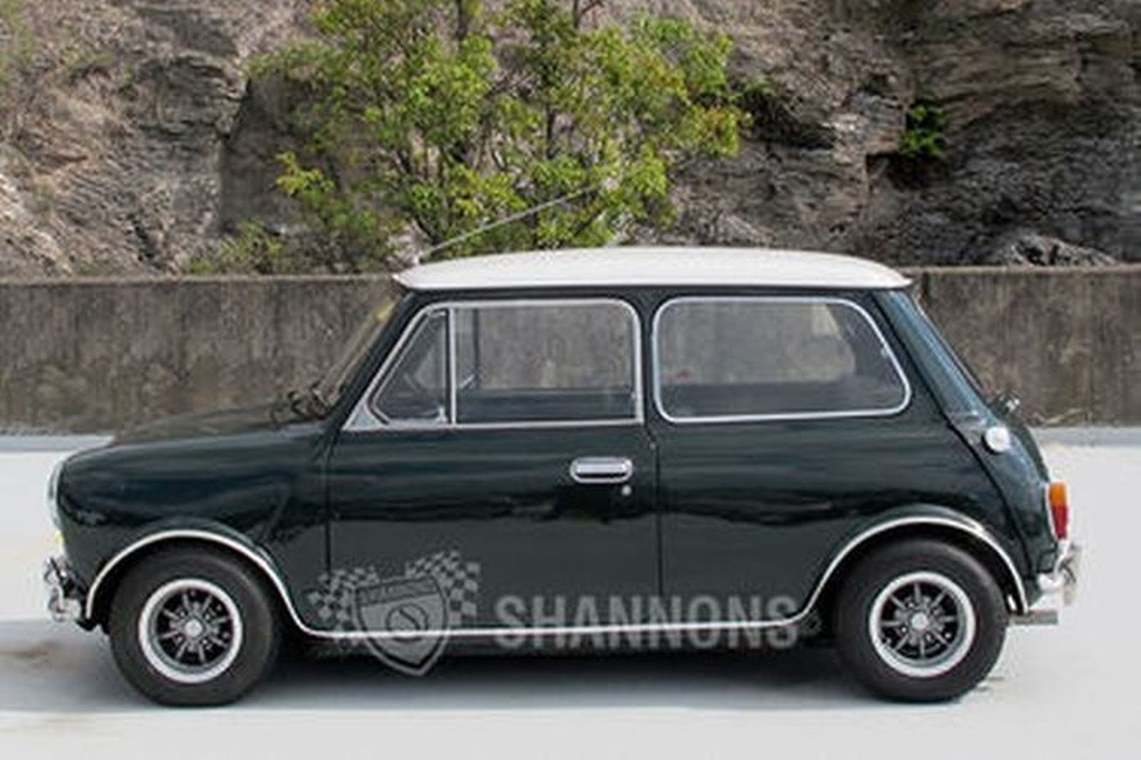 Sold Morris Mini Cooper S 2 Door Sedan Replica Auctions
