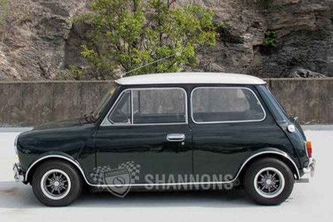 Morris Mini Cooper S 2 Door Sedan (Replica)
