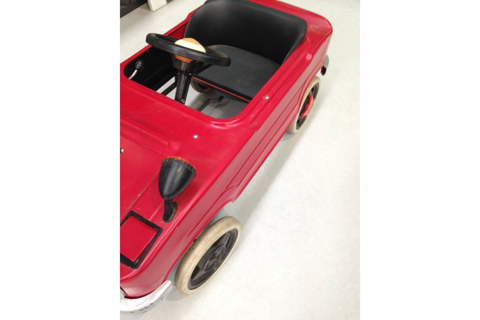 VINTAGE JAPANESE HASHIME GT-2000 PEDAL CAR