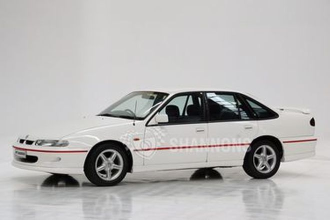 Holden 'HSV Enhanced' VSII Commodore 'BT1' 5.0 V8 Sedan