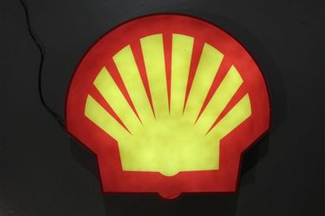 Light Box - Shell Emblem (86 x 80cm)