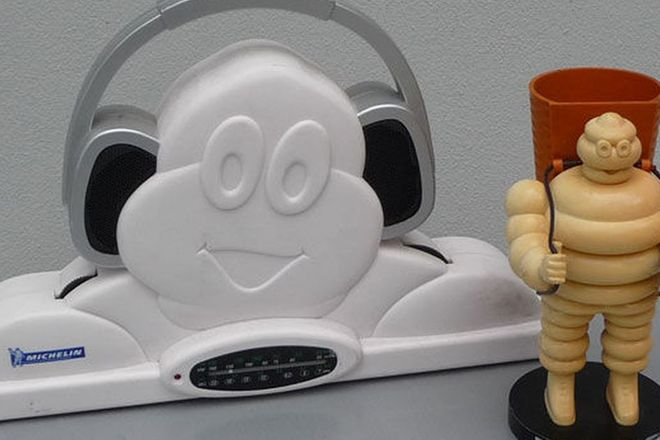 Pen Holder & Transistor Radio - Michelin