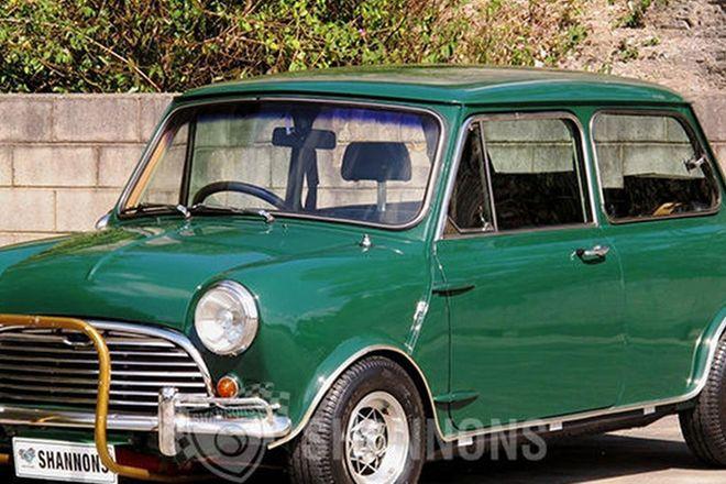 Morris Mini 2 Door Sedan (Modified)