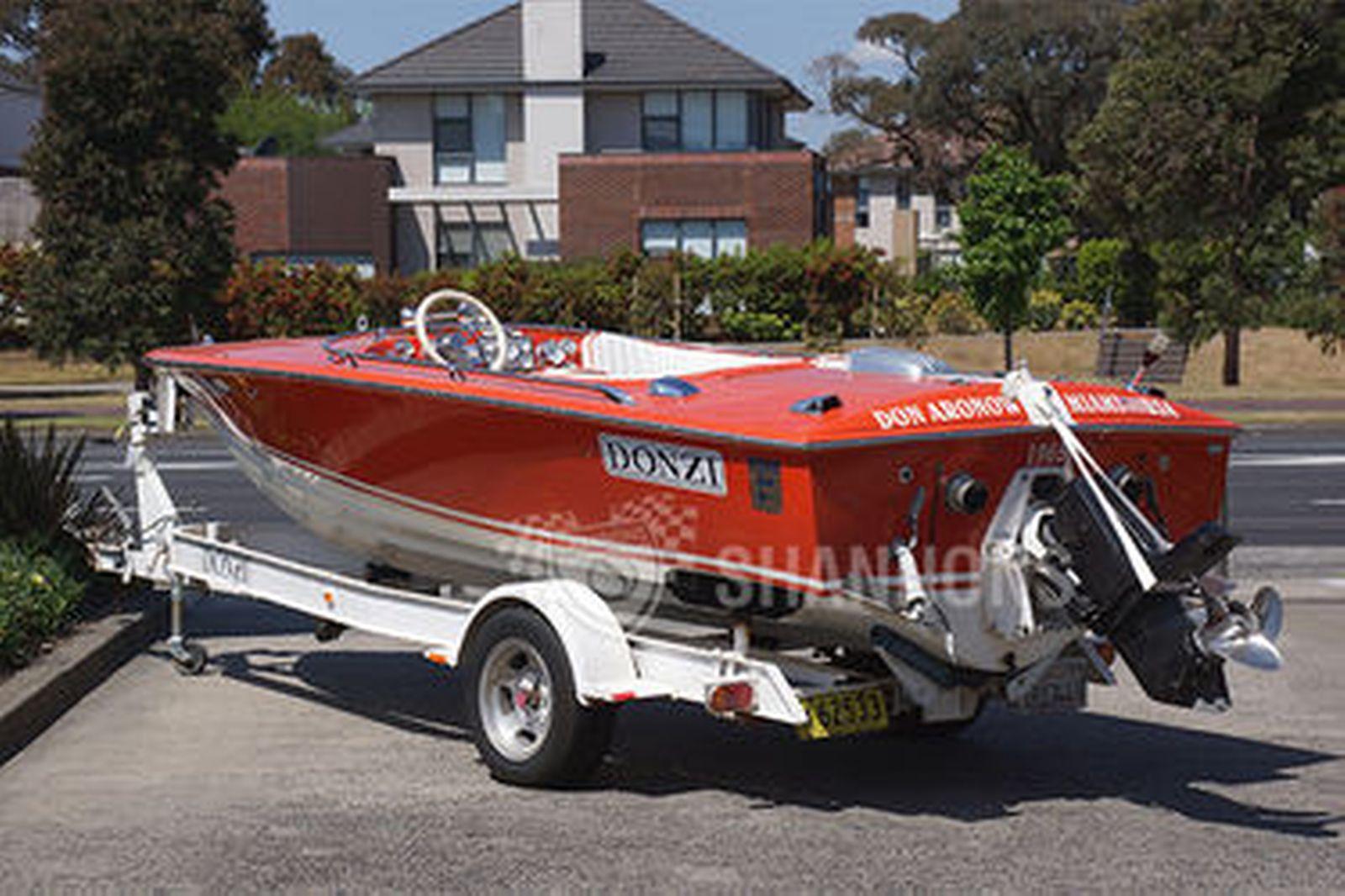 Sold: Donzi 'Sweet 16' Fibreglass Speed Boat on single axle