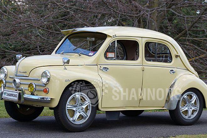 Renault 750 4CV Sedan