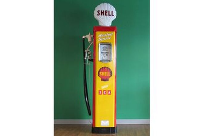 Petrol Pump - AS70 Wayne Electric in Shell Livery Restored with Reproduction Globe