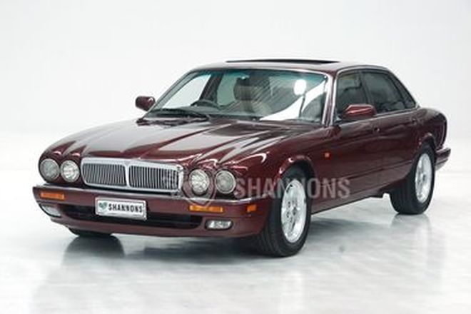 Jaguar XL6 X300 Saloon