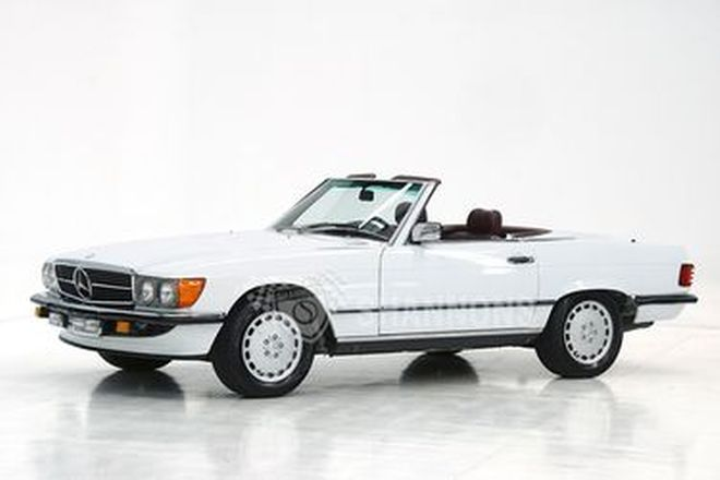 Mercedes-Benz 560SL Convertible  (LHD)
